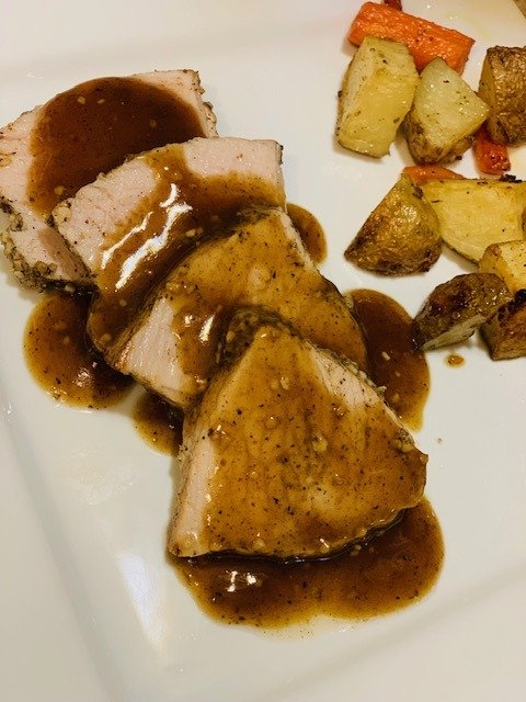 Ninja Foodi pork tenderloin, Ninja Foodi pork, Ninja Foodi dinner, Ninja Foodi pepper garlic pork tenderloin, Instant Pot Pepper Garlic Pork Tenderloin, Instant Pot, Pork, Pork Tenderloin, The Tasty Travelers