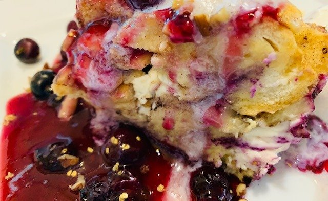 Blueberry Cream Cheese Bread Pudding A La Mode, bread pudding, blueberry, blueberry french toast, brunch, the tasty travelers