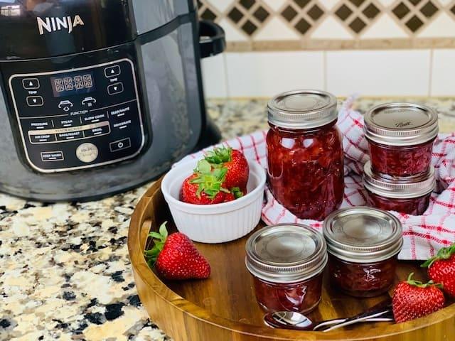 Instant Pot, Ninja Foodi, Jam, Strawberry, Strawberry Jam, Instant Pot Jam, Ninja Foodi Jam, Instant Pot Strawberry, Ninja Foodi Strawberry, Ninja Foodi Strawberry Jam, Instant Pot Strawberry Jam