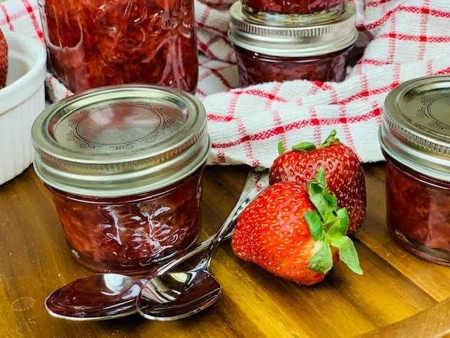 Instant Pot, Ninja Foodi, Jam, Strawberry, Strawberry Jam, Instant Pot Jam, Ninja Foodi Jam, Instant Pot Strawberry, Ninja Foodi Strawberry, Ninja Foodi Strawberry Jam, Instant Pot Strawberry Jam