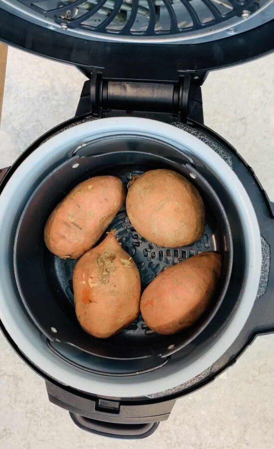 Ninja Foodi sweet potato, Ninja Foodi potato, sweet potato, side dish, potato, marshmallow, instant pot sweet potato, instant pot potato, Ninja Foodi recipe, Ninja Foodi side dish, instant pot side dish