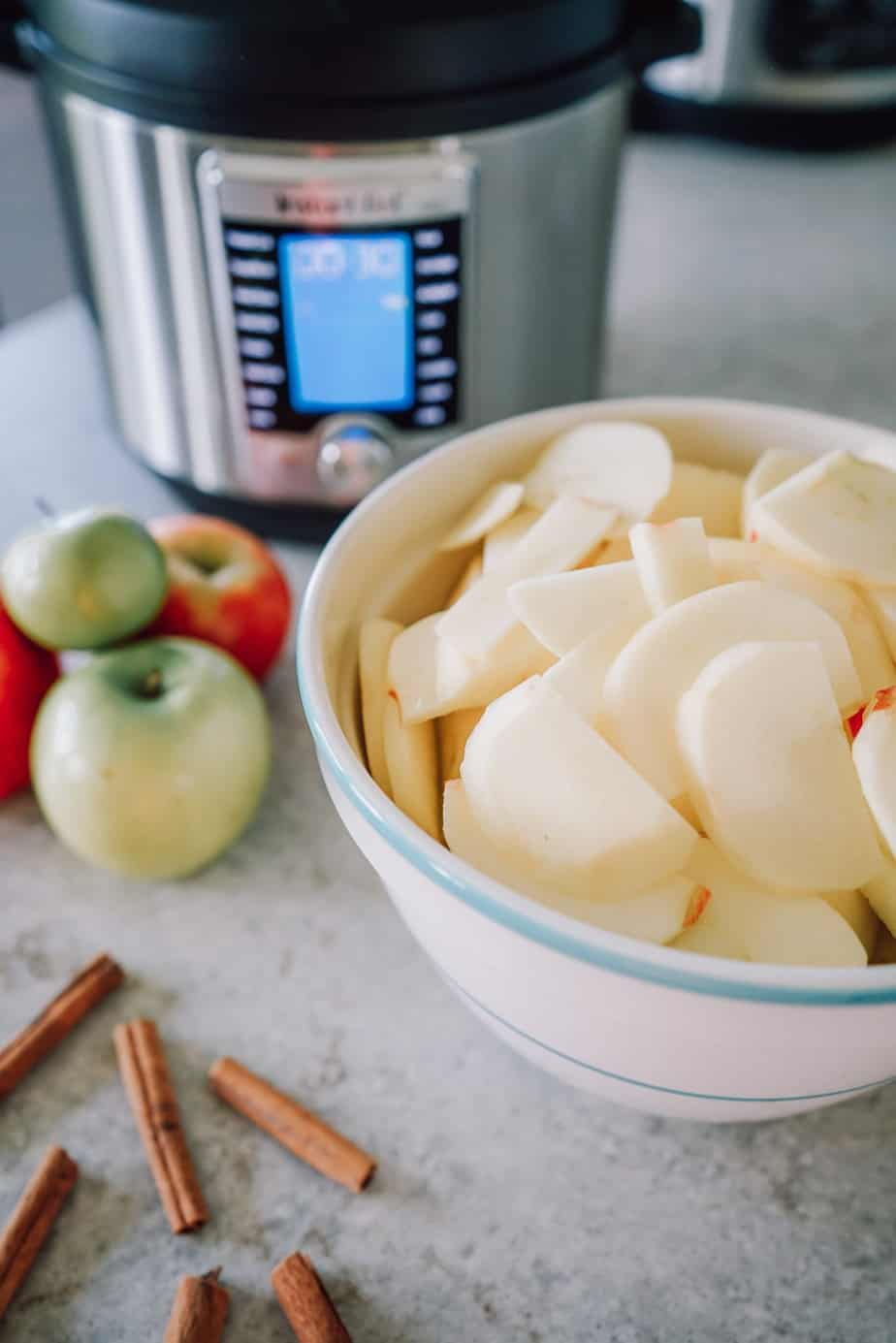 apple sauce, instant pot applesauce, Ninja Foodi applesauce, snack, side, apples, instant pot apple, Ninja Foodi apple, fruit, vegetarian, vegan