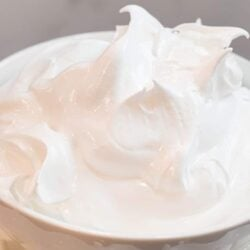 Marshmallow Fluff Frosting