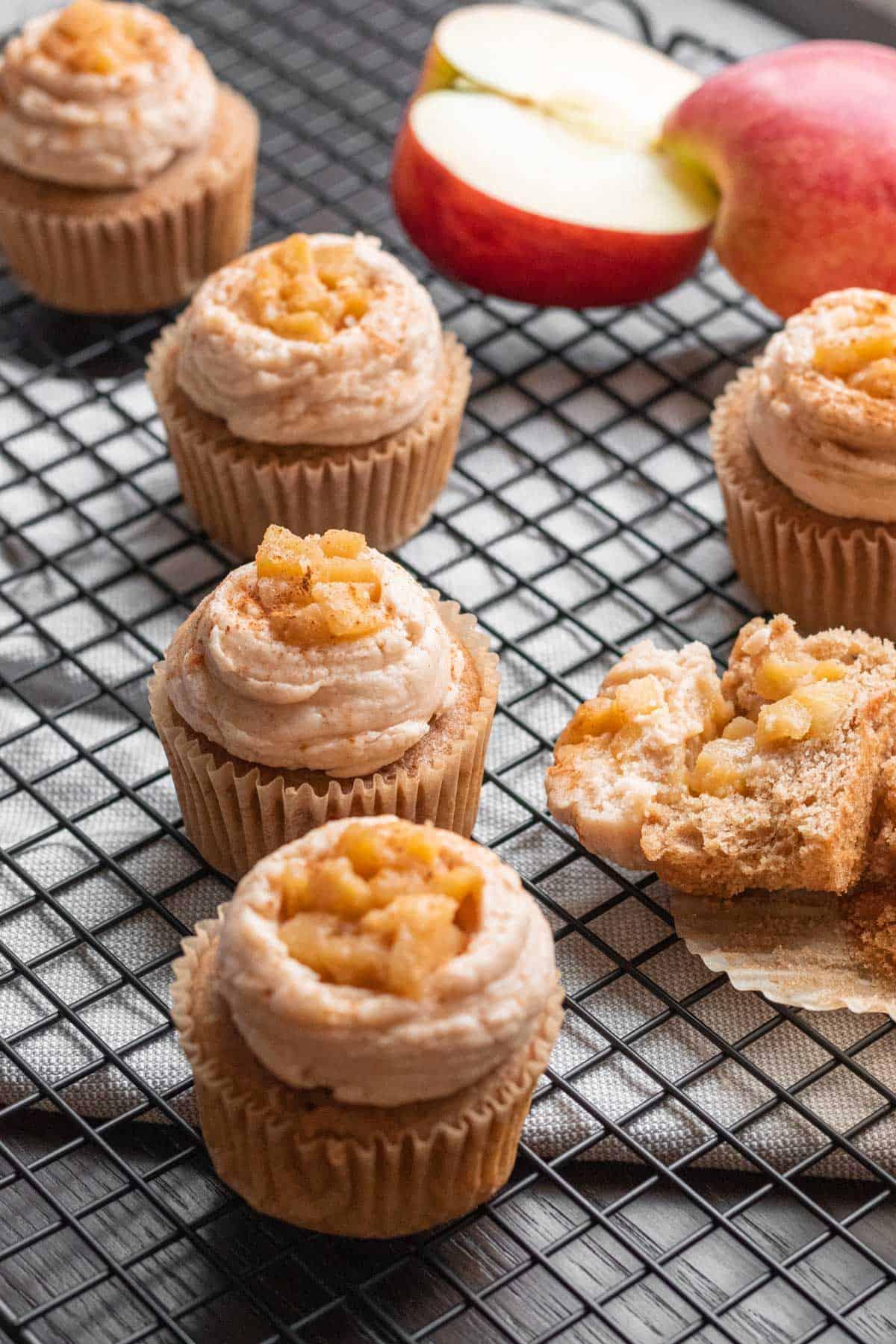 Apple-Pie-Cupcakes-9